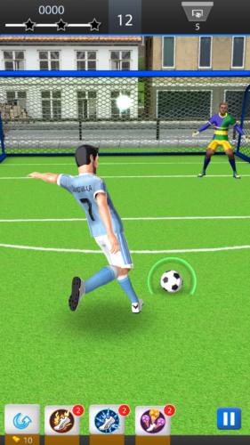 David Villa Pro Soccer strzał na bramkę